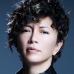 GACKTのすっぴん画像【昔と現在】小野大輔に似てる?ひどいというのは本当?
